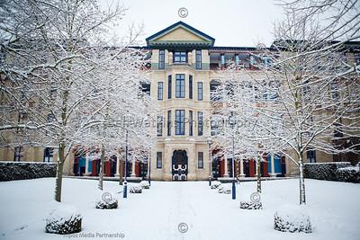 Cambridge Judge Business School in snow