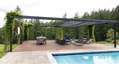 2 Mules poolside patio_7131