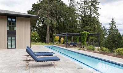 2 Mules poolside patio_7107