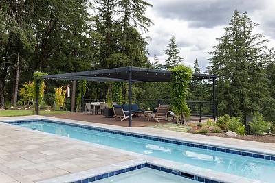 2 Mules poolside patio_7110