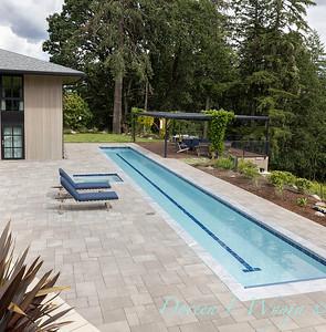 2 Mules poolside patio_7105