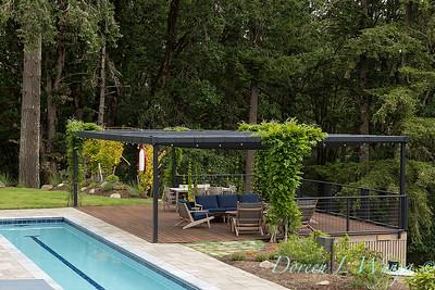 2 Mules poolside patio_7115