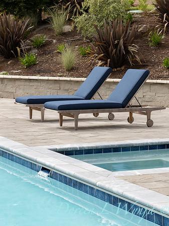2 Mules poolside patio_7117
