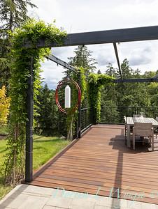 2 Mules poolside patio_7129