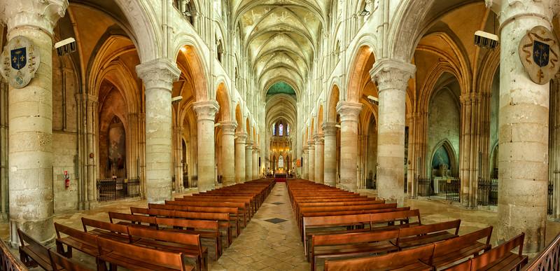 Cathedral de St Pierre, Liseaux