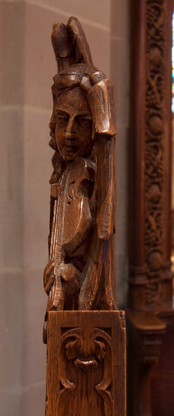 Choir Pew Figure 1: Angel with a Viol, profile