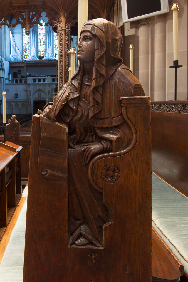 Choir Pew Figure 11: Mary, front