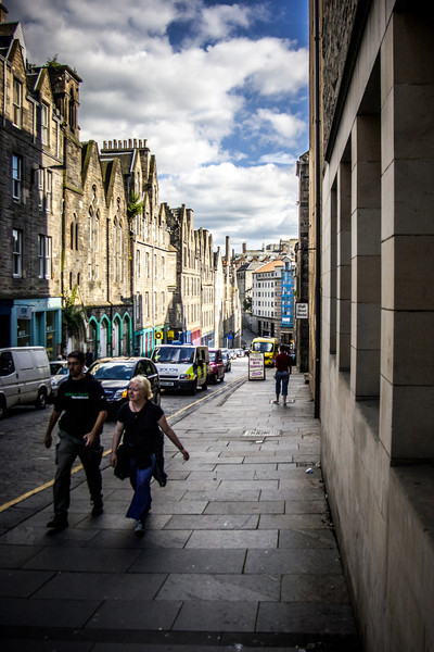 Looking down Blackfriars St, towards the Royal Mile. The former Blackfriars Street United Presbyterian Church (Robert Morham, 1871) is on the left, the High Street Hostel on the right. is on the left, the High Street Hostel on the right.
