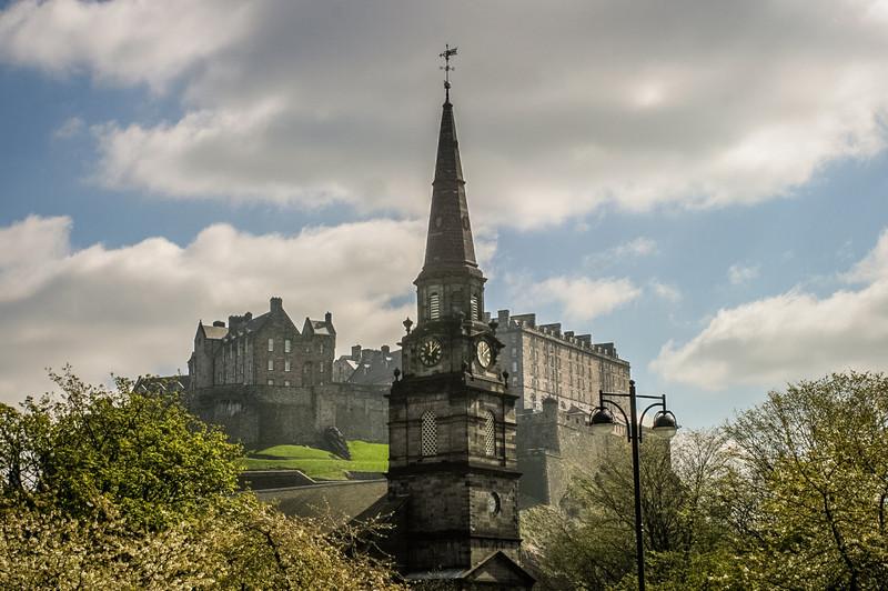 Edinburgh, Scotland<br /> The Parish Church of St Cuthbert, and Edinburgh Castle.