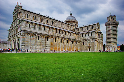 Pisa, Italy:  Exterior church and belltower