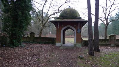 Mualim graveyard, Woking: a former miltary graveyard for muslim soldiers.