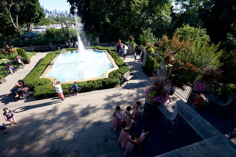 Fountain at Casa Loma (10mm)