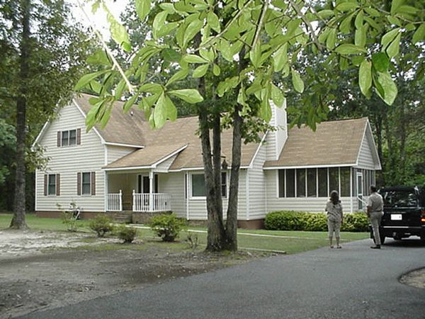 The house as it appeared in September of 2000, prior to our decision to purchase.