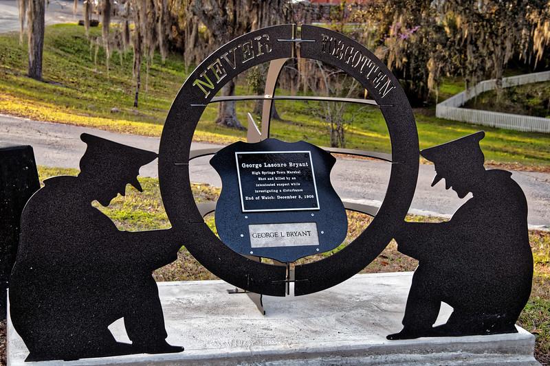 """Never Forgotten"" Statue in High Springs"