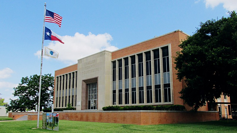 Waller County Courthouse - Corner View
