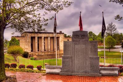 Randolph County Courthouse and War Memorial, Pocahontas, AR