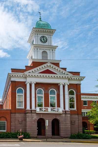 Snyder County Courthouse, 9 West Market Street, Middleburg, Pennsylvania