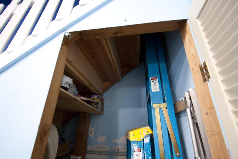 closet under stairs, 12' ladder, fyi...