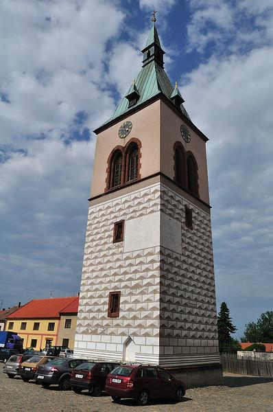 renesanční věž na náměstí