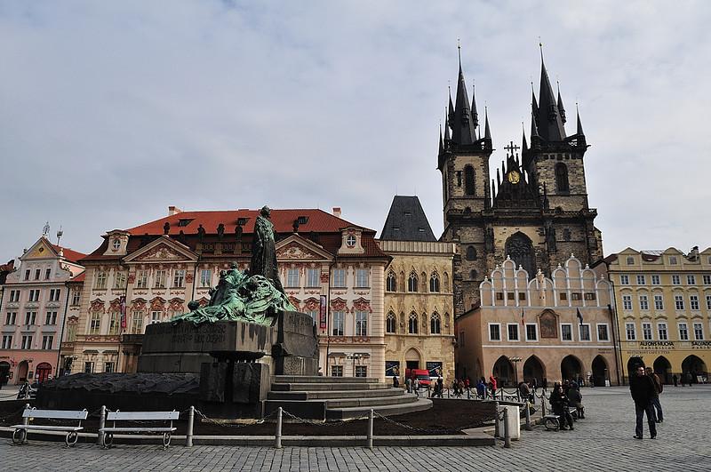 památník mistra Jana Husa na Staroměstském náměstí