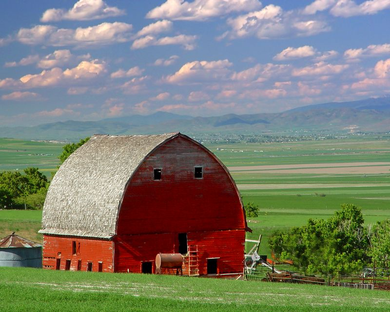 Barn in Petersboro, Utah. It was destroyed in Jan. 2005