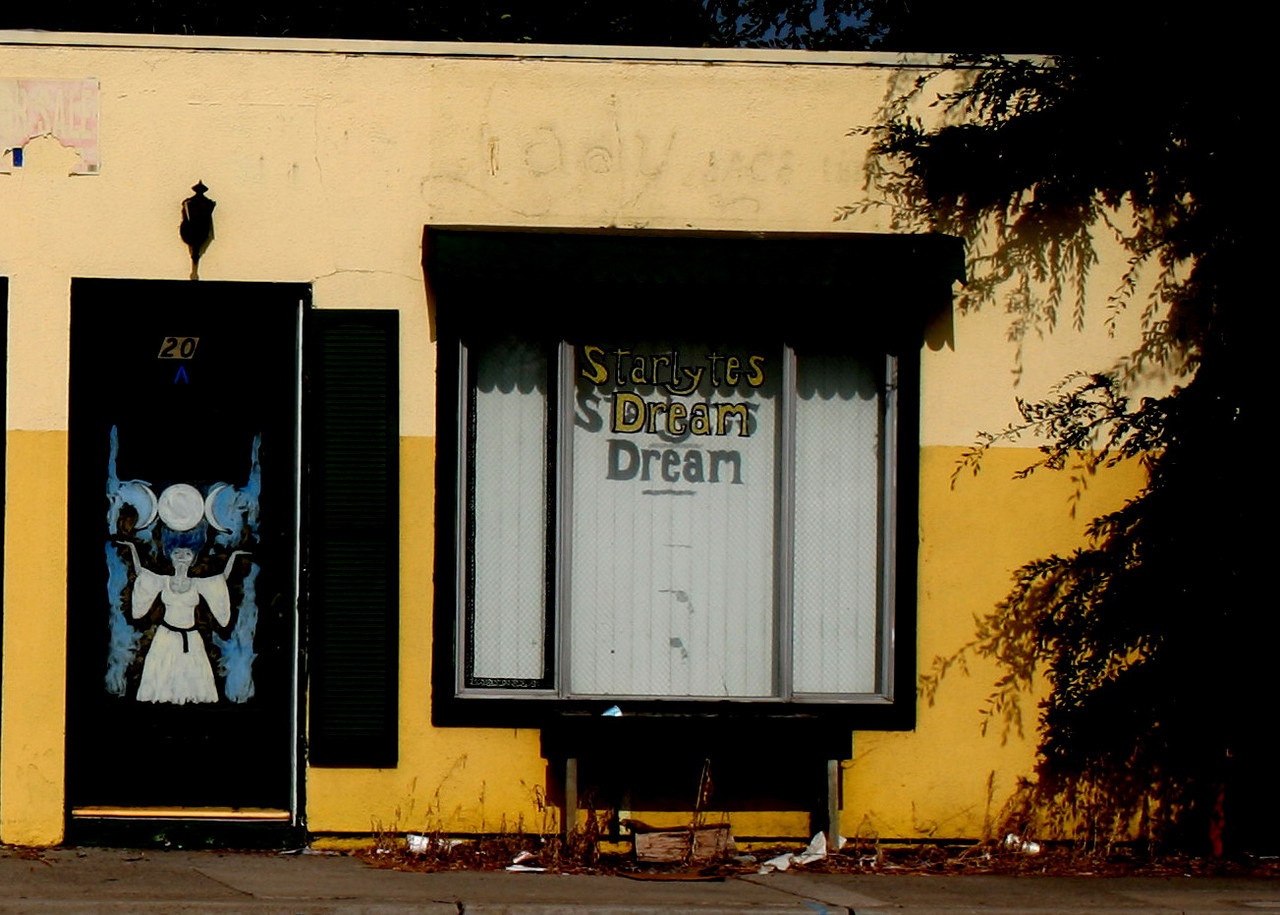 Starlytes Dream - Hairoots Styling Salo(n) - Euclid - Fullerton Ca.