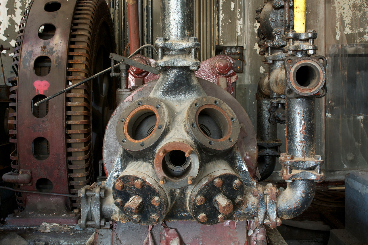 Machinery Face wants to be loved.