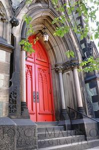 Red door -- DSC_0704