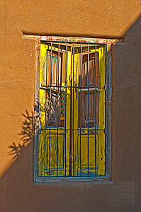 HHP_TucsonDowntownWindowYellow