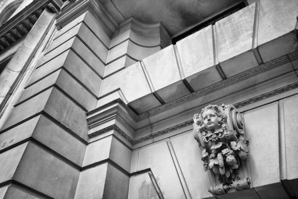 40-42 Kingsway - facade by Lutyens - 1908-09