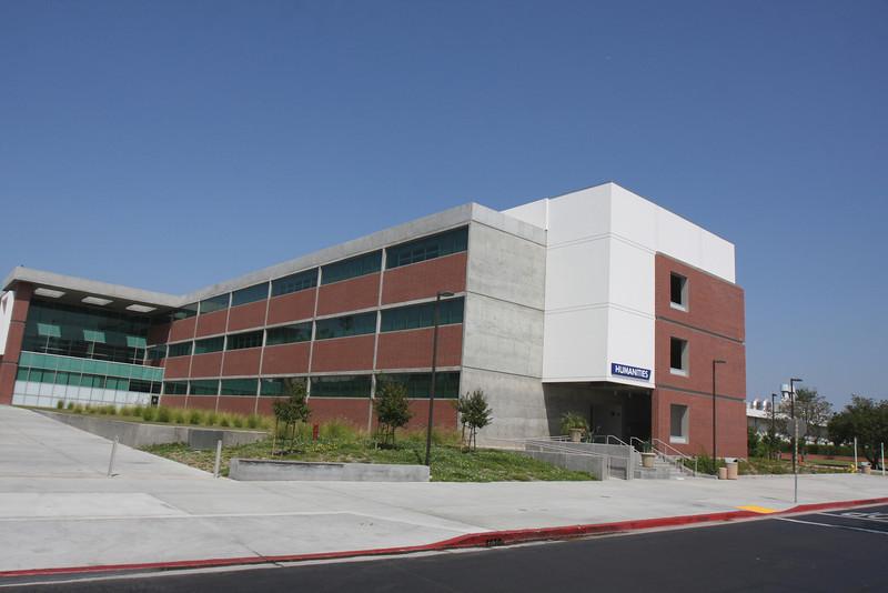 El Camino College >> El Camino College Humanities Building Abel Gutierrez