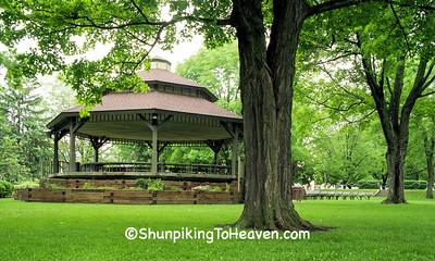 Franklin Else Memorial Band Shelter, Lake Mills, Wisconsin