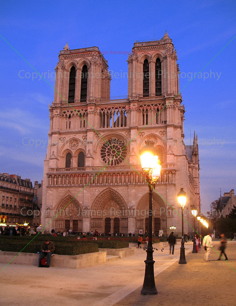 Norte Dame at Night <br /> Paris, France