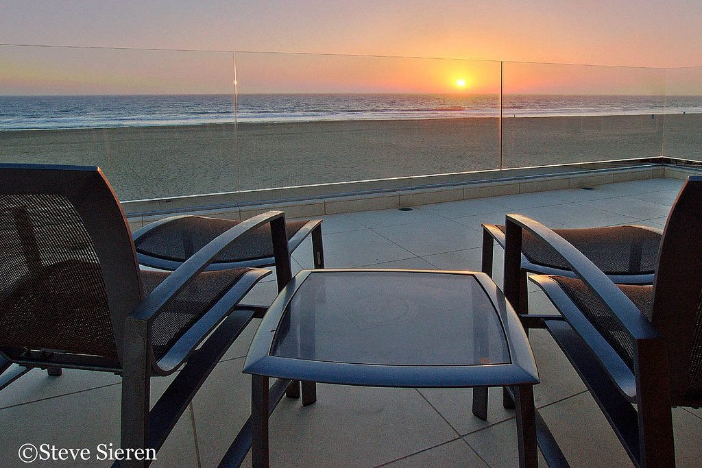 "PUBLISHED WORK - 805 Magazine -  Every issue in the past year  - Space Magazine Los Angeles - Cover Ventura County Star Homes section - Ultimate Address Los Angeles Times - Malibu Times Magazine.                                            <p><a target=""_blank"" href=""http://www.PCHhomes.com""target=""_blank"">Example Virtual Tour</a></p> - <p><a target=""_blank"" href=""http://www.dreamhomesmagazine.com/Home125803.html""target=""_blank"">Previous advertisement in Dream Homes Magazine</a></p>  <p><a target=""_blank"" href=""http://sieren.smugmug.com/gallery/1042397""target=""_blank"">Scenic photos of my Conejo Valley, Malibu and nearby areas</a></p> - <p><a href=""http://sieren.smugmug.com/"" target=""_blank"">Fine Art by Steve Sieren</a></p>"