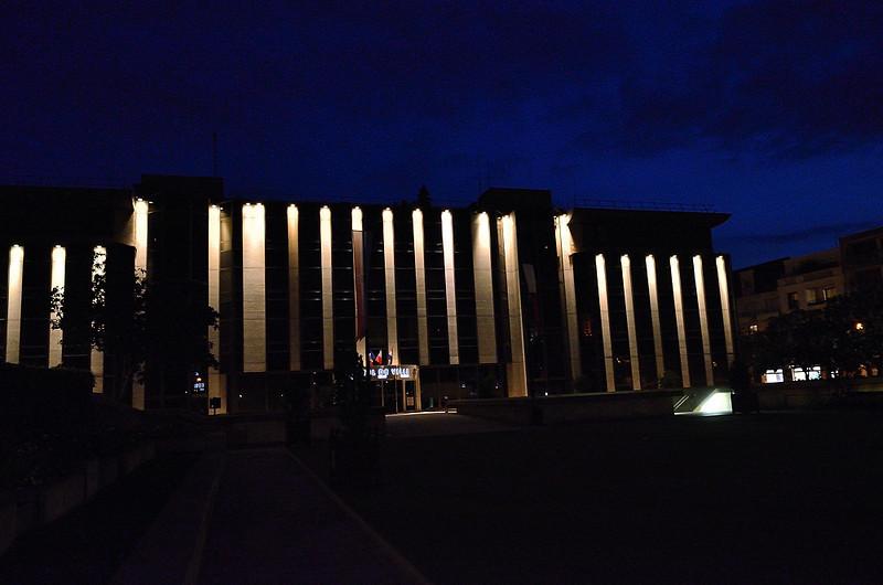 nová radnice ve čtvrti Malmaison