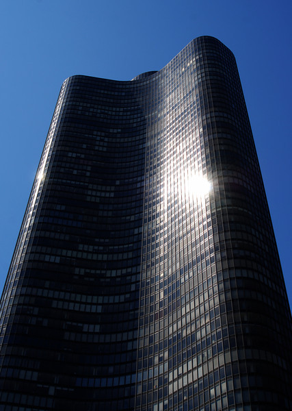 Lake Point Tower by Shipporeit-Heinrich, Chicago