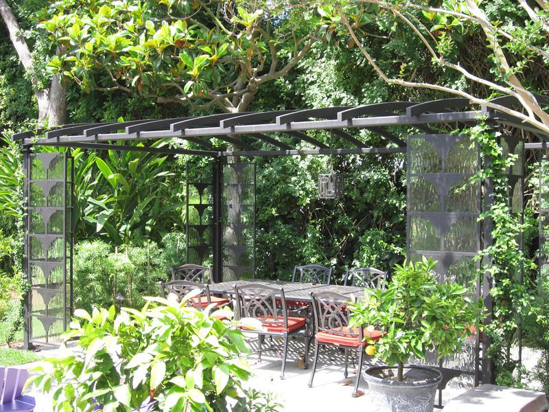 Backyard canopy - Sniesko residence, Pasadena, CA