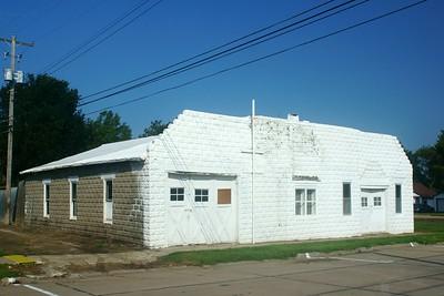 Utica, NE garage