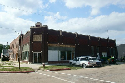 Fullerton, NE garage