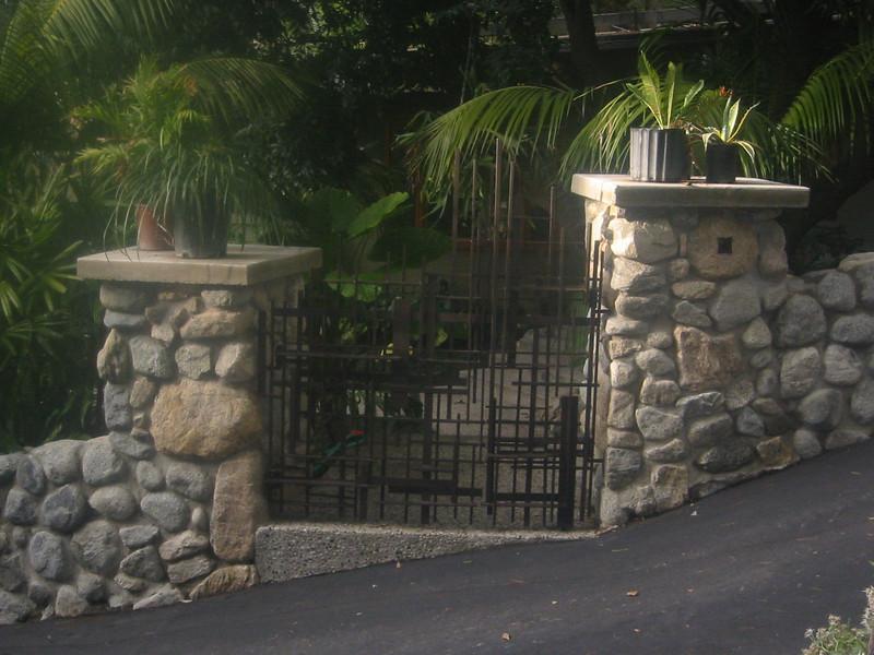 Walk-through gate - Boot residence, Altadena, CA