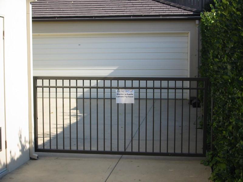 Drive-through gate - White residence, Pasadena, CA