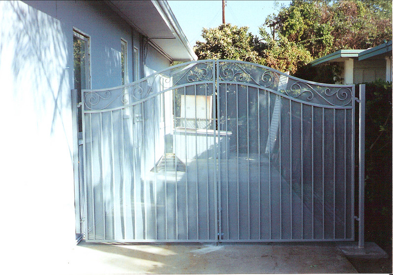 Side gate - Parlopino Residence, Arcadia, CA