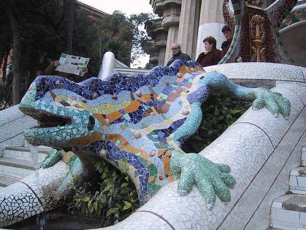 Mosaic lizard fountain in Park Guell