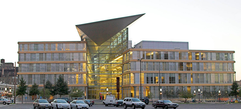 Minneapolis Public LIbrary<br /> Ceasar Pelli, 2006<br /> East Side