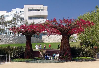 Central Garden with Research Institute in background.