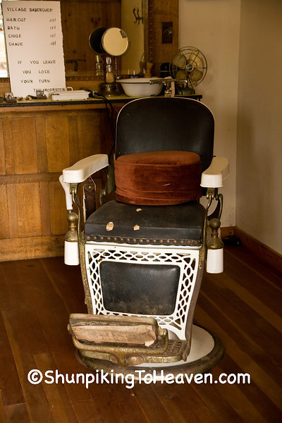 Antique Barber Chair, Scott County, Iowa