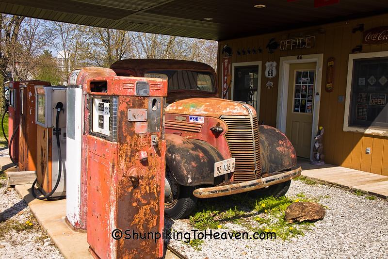 Vintage Truck and Pumps, Staunton, Illinois