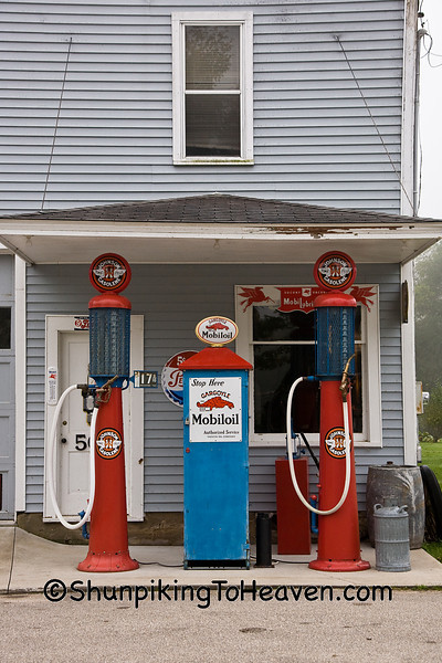 Ernie's Diamond Service Station, Filmore County, Minnesota