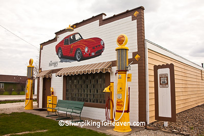 Replica Shell Service Station, Route 66, Dwight, Illinois