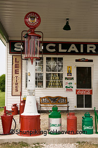 Visible Gas Pump, Lawrence County, Missouri